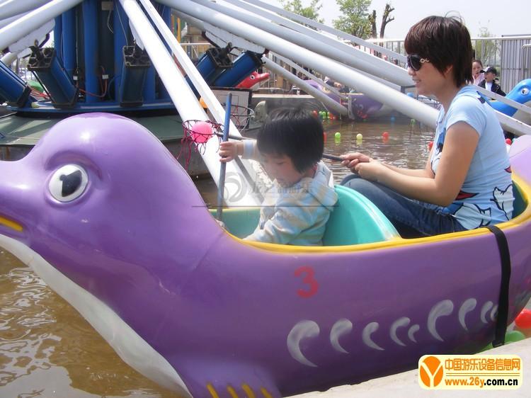海豚戏水01