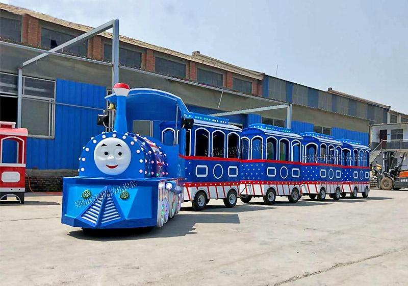 龙之盈小火车