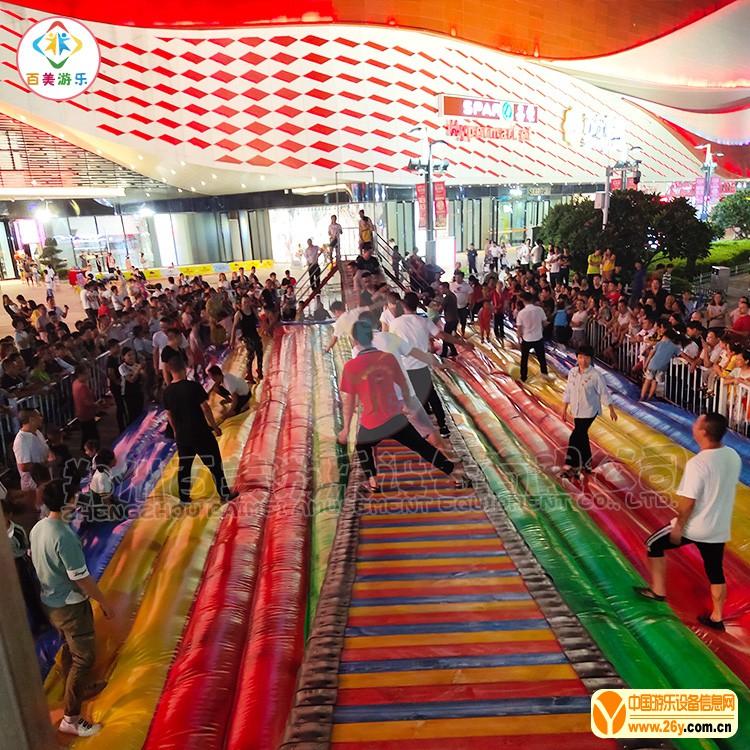 万达广场游玩实景图网红桥